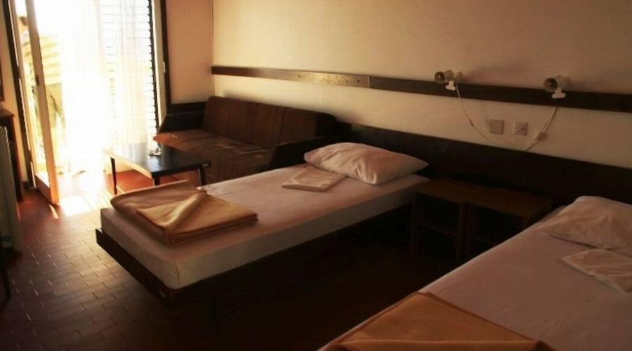 Soggiorno In Hotel 2 Stelle Direttamente Sul Mare In Croazia , Parti ...