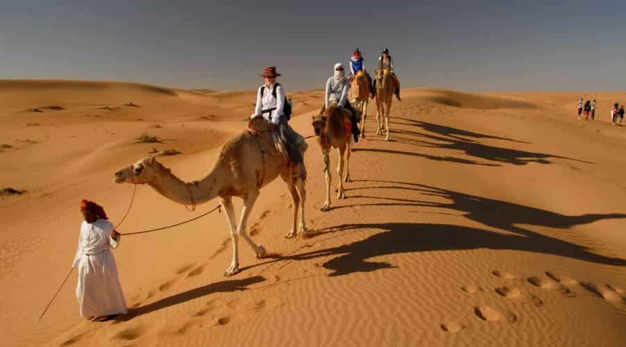 Passeggiata a cavallo nel Wahiba Sands