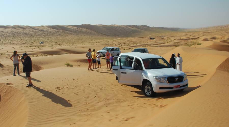 A spasso fra le dune del deserto Omanita