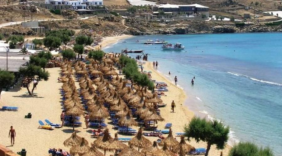 Una spiaggia di Mykonos