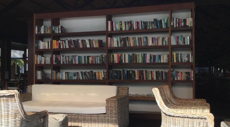 Zona lettura e relax al Barefoot resort