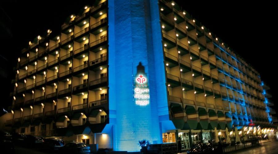 Qawra Palace Hotel: Esterno