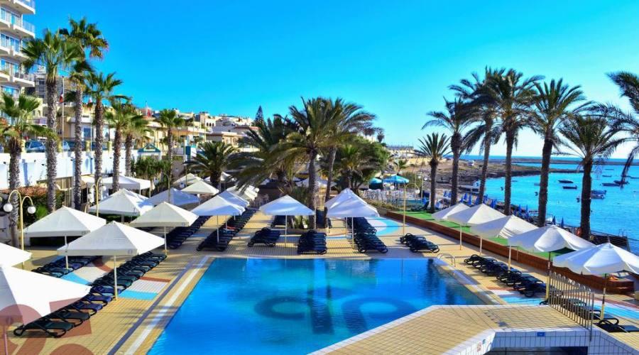 Qawra Palace Hotel: Piscina Esterna