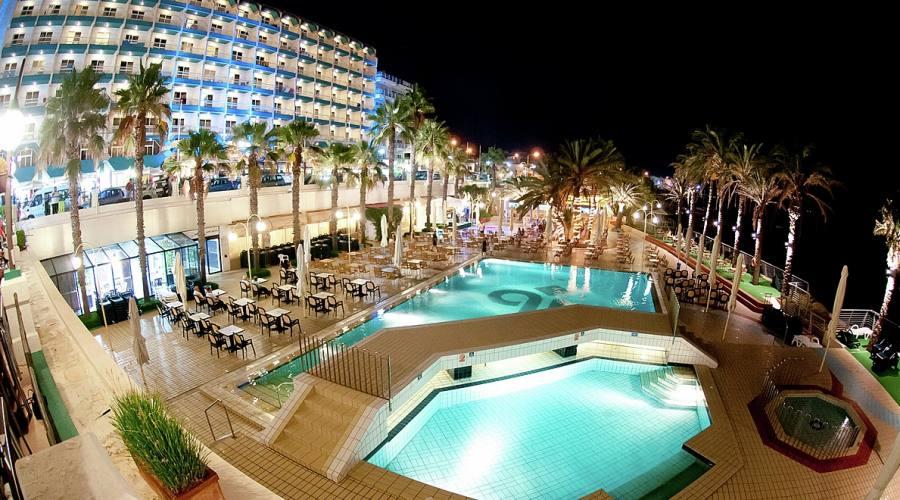 Qawra Palace Hotel: Piscina Principale