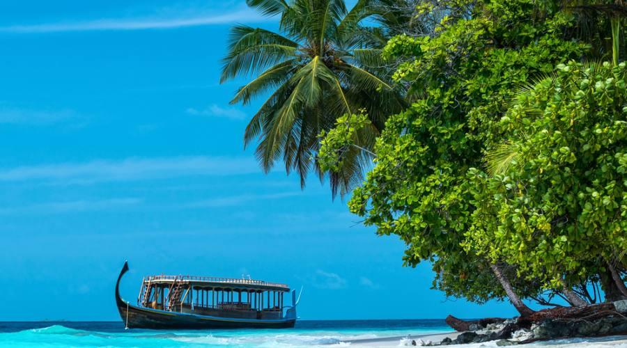 Maldive: mare cristallino