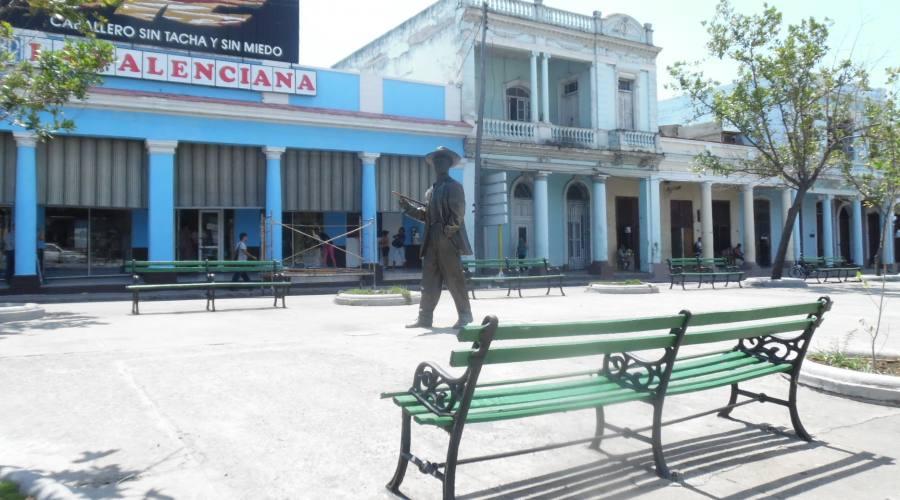 Cienfuegos, statua di Benny More
