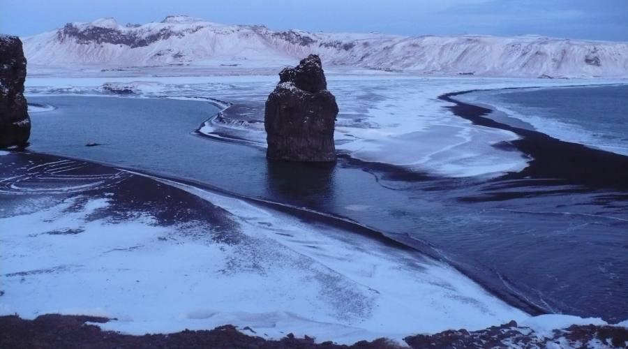 Spiaggia di sabbia nera Reynisfjara - Foto di Manuela Aprile