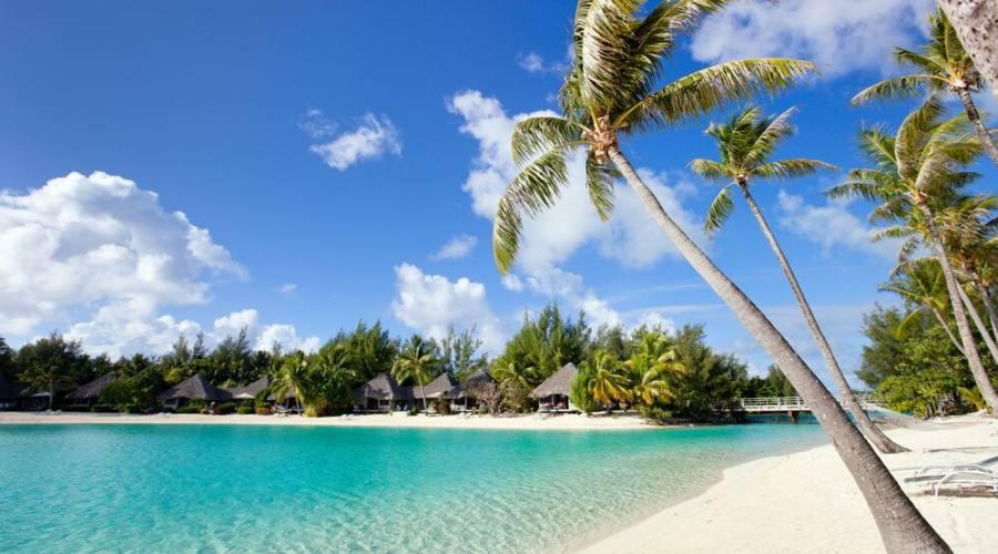 spiaggia a Bora Bora