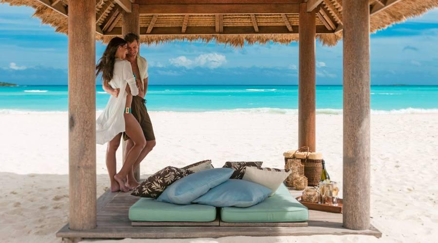"La romantica ""beach cabana"""