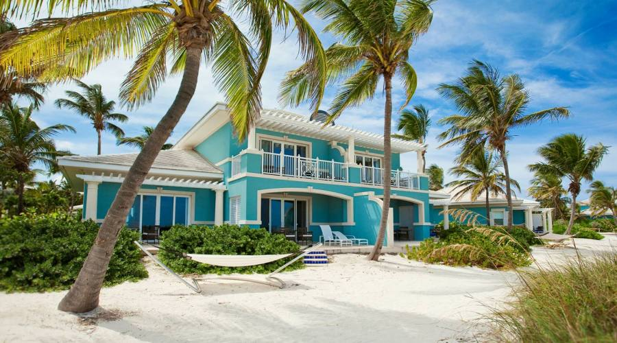 The Royal Estate Beachfront 2-story, One Bedroom Butler Villa Suite w/Pool