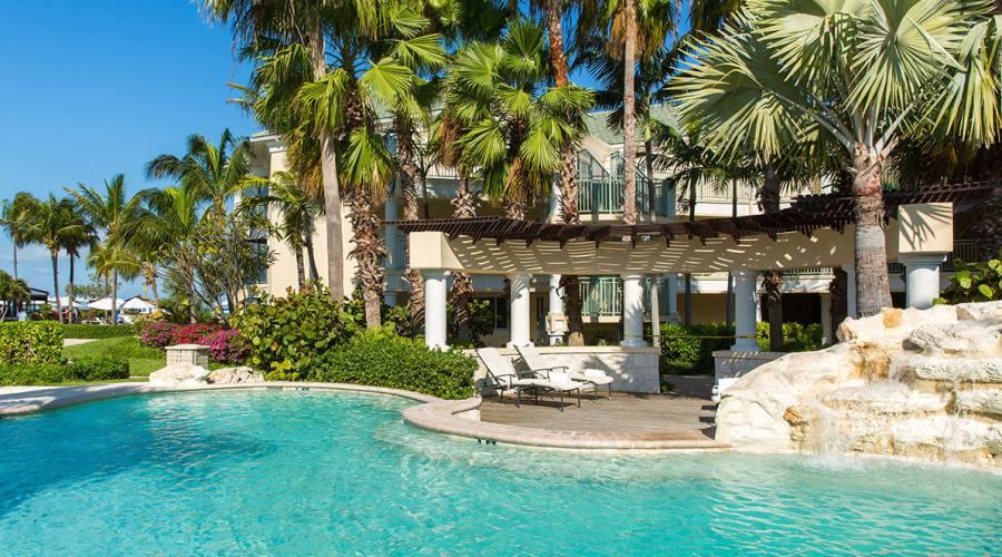 I giardini e la piscina