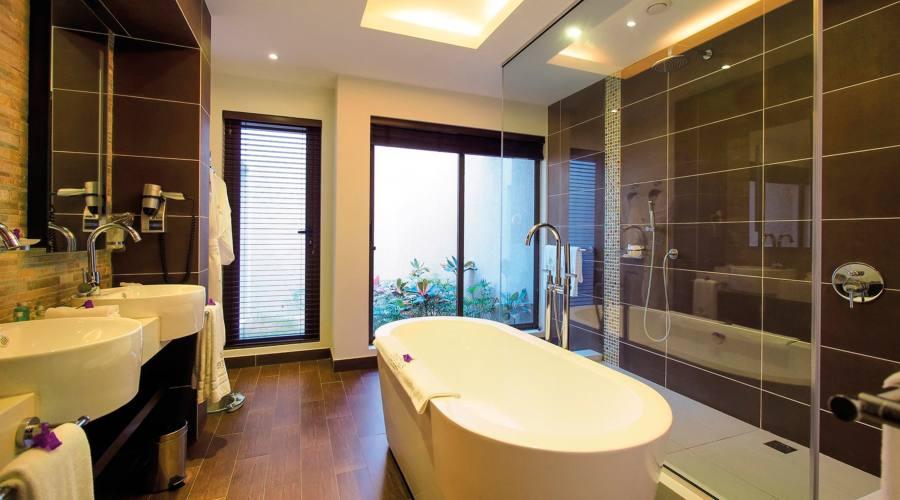 Il bagno della camera family deluxe