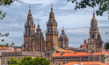 Tour di gruppo: il meglio del paese con Santiago de Compostela da Lisbona il venerdi e il sabato