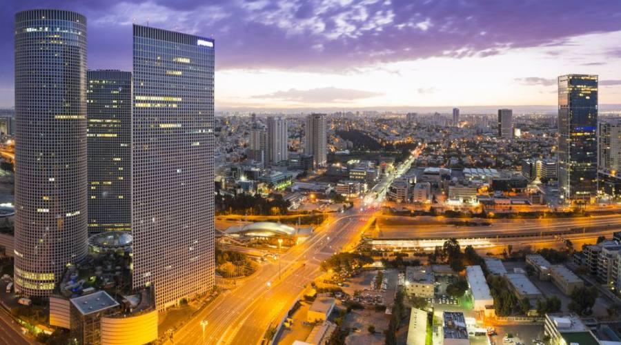 Tel Aviv al tramonto