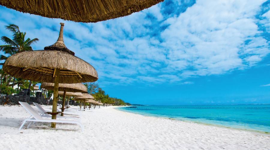 La spiaggia bianchissima dell'hotel