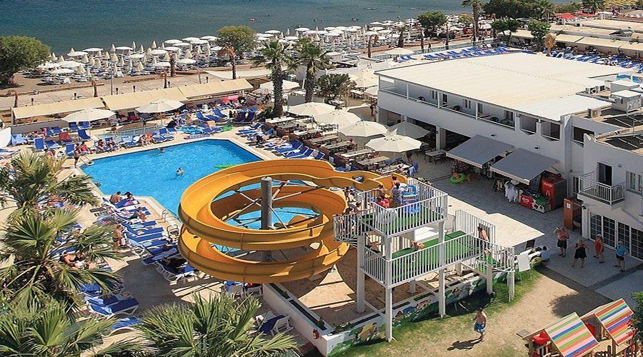 Vista Panoramica delle attrazioni acquatiche dell'hotel