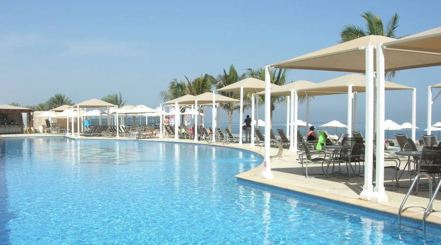 Hotel Millenium -spiaggia e piscina