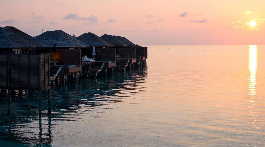 Cala il tramonto sul Lily Beach