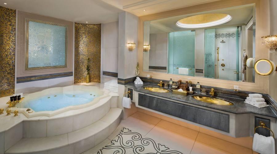 Khaleej Suite Bathroom