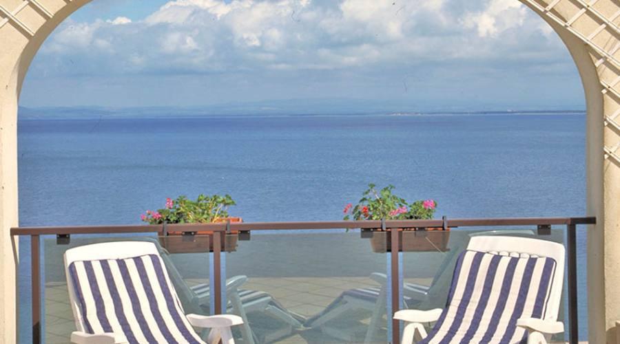 terrazza camera vista mare