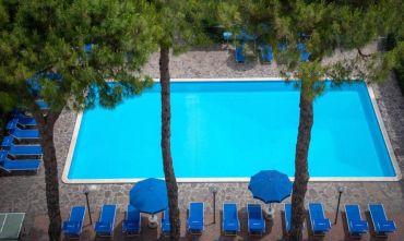 Hotel 3 stelle centrale con bellissima piscina...