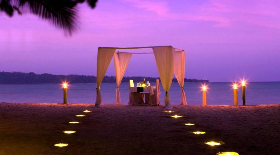 Una cena romantica sulla spiaggia...