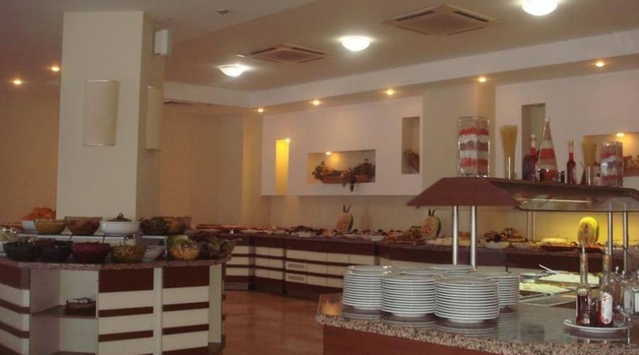 Sala da pranzo, buffet