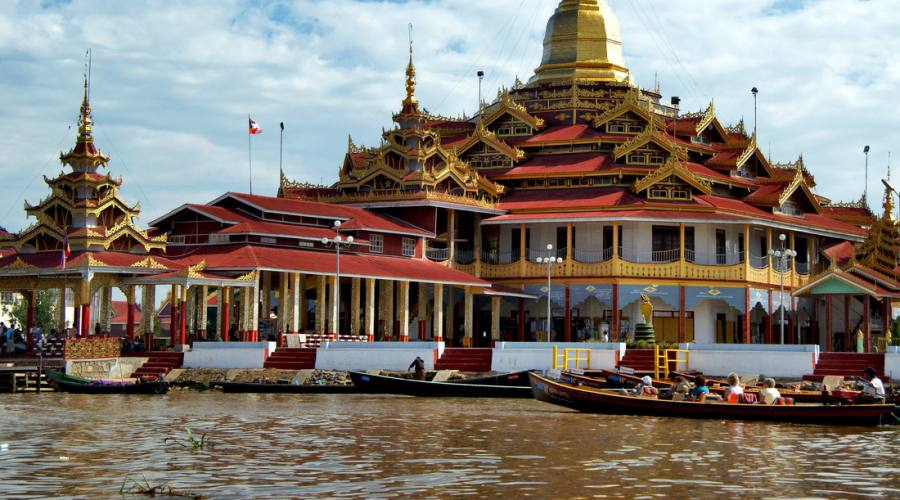 Tempio a Yangon