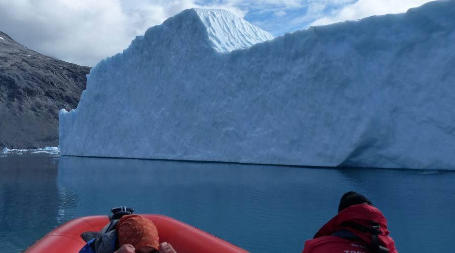 Navigazioni vicino agli iceberg