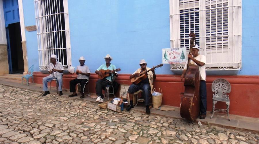 En Cuba no se camina... se baila! Trinidad