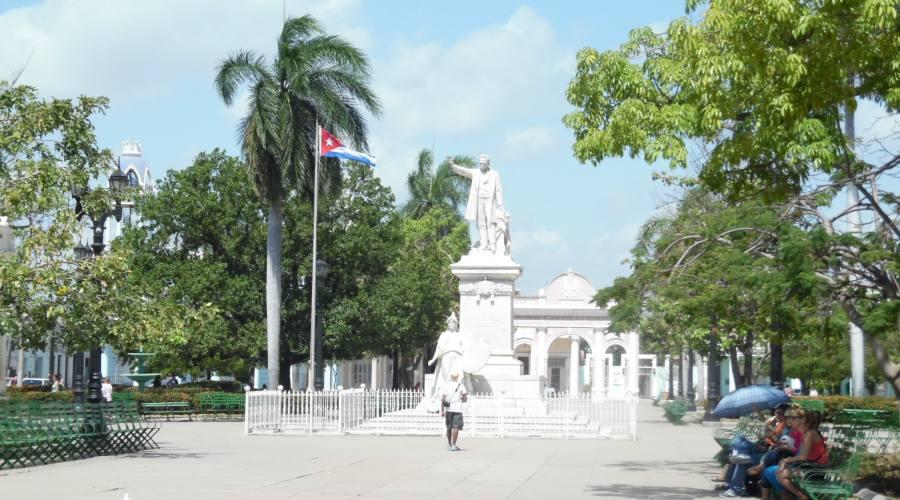 Cienfuegos, monumento in piazza