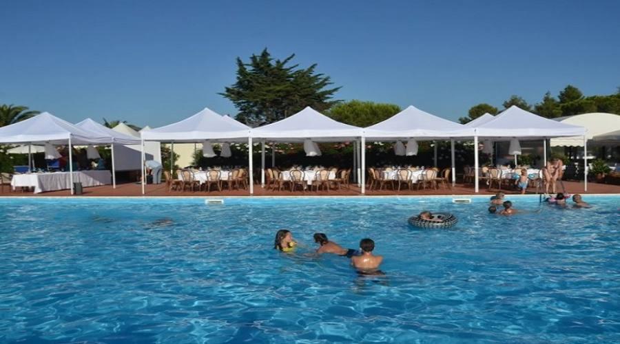 Ristorante bordo piscina