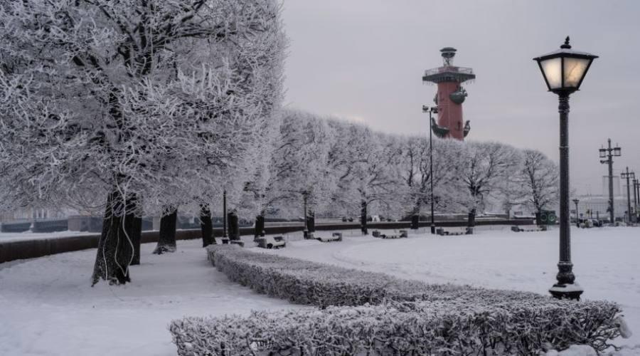 San Pietroburgo argine sulla Neva
