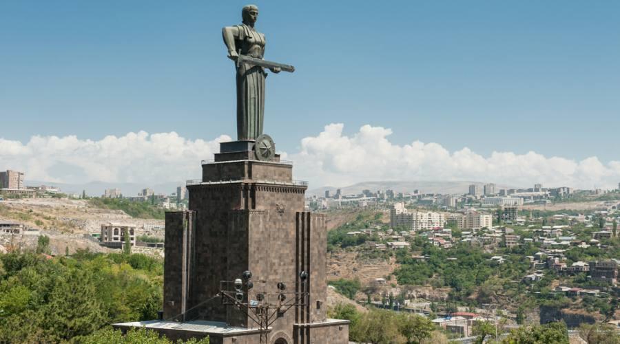 Statua Madre Armena, Yerevan