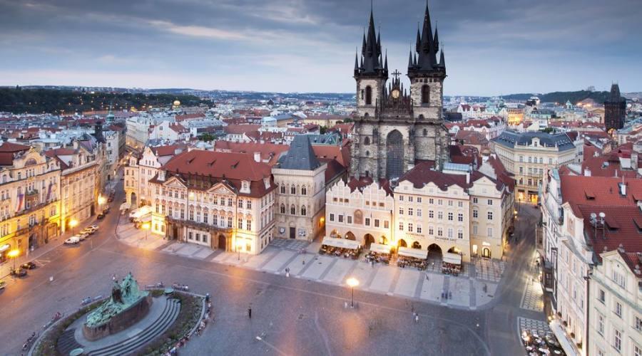 La piazza nella città vecchia