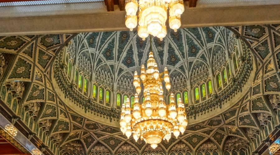 Interno della Grande Moschea di Muscat