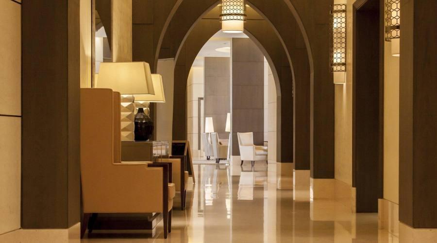 Hotel Millenium - corridoi e archi
