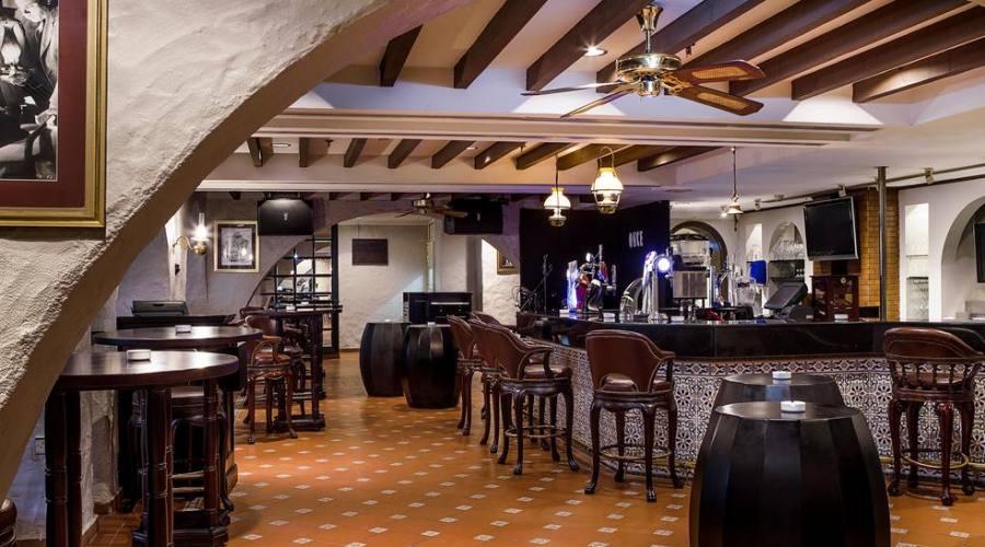 Hemingway Pub's