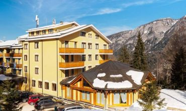 Comprensorio Skirama Madonna di Campiglio - splendido Hotel con Mini club & Spa