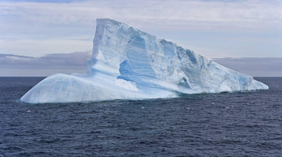 Iceberg vicino all'isola di Re Giorgio