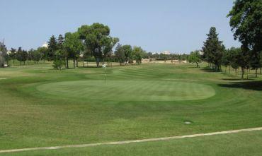 Una vacanza mare, giocando al Royal Golf Club...