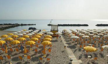 Grand Hotel 4 stelle con mini club direttamente sulla spiaggia...