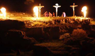 Luci, suoni e drammaturgia: la Passione di Cristo nella città dei Sassi