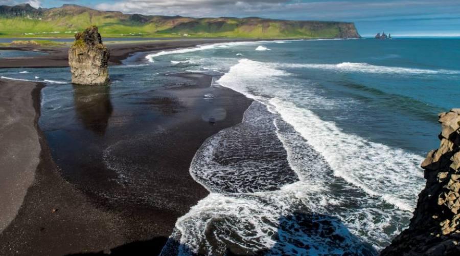 Le spiagge nere di Vik in Islanda