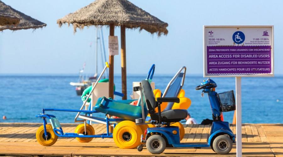 Spiaggia attrezzata con sedia job