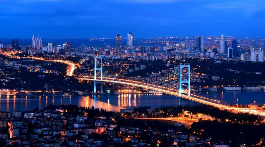 Vista panoramica sul ponte di Bosforo