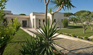 Hotel Village 4 stelle nei pressi dei Laghi Alimini