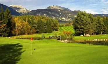 Golf Hotel 4 stelle a due passi dal lago e dal campo da 18 buche!