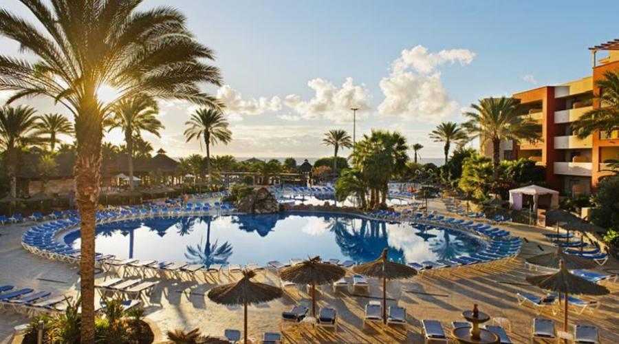 Strutturahotel e piscina