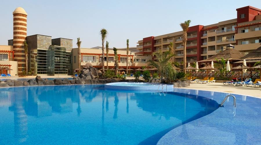 Panoramica hotel e piscina